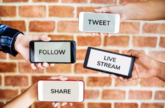 Social Media TikTok 2020