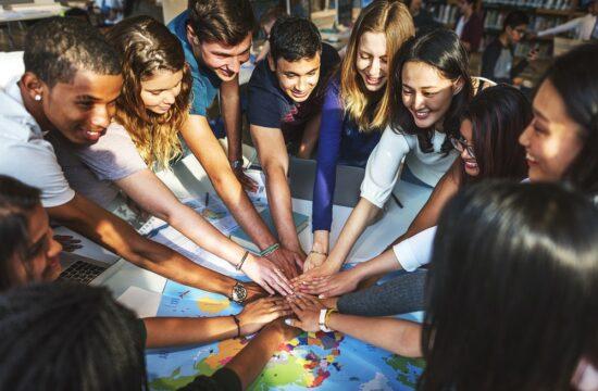 7 suggerimenti per costruire una comunità educante