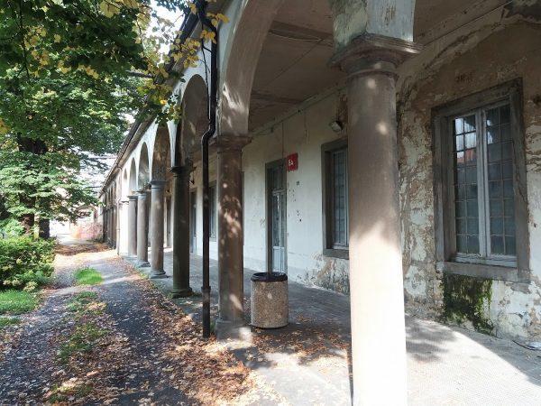L'edificio da ristrutturare per ospitare l'esperienza di co-housing